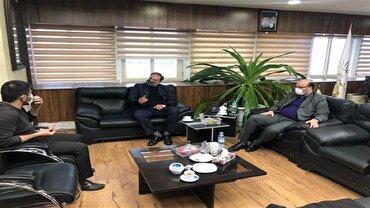 باشگاه خبرنگاران - علی نژاد، دبیر و مددی پای میز مذاکره برای حل اختلافات کشتی گیران استقلالی