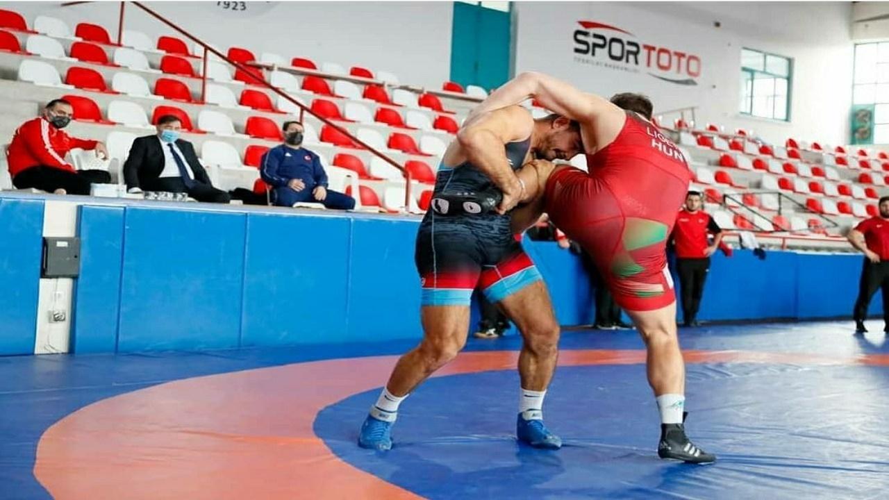 فرانک چامیزو عنواندار در اردوی کشتی گیران ترکیه/ تمرینات آکگول برای حضور پُرقدرت در المپیک
