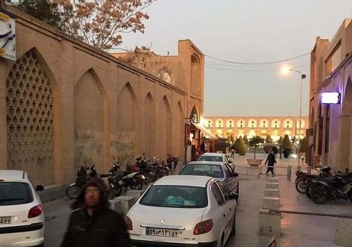 میدان نقش جهان اصفهان در محاصره آلودگی بصری