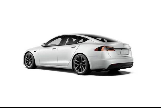 تسلا مدل S با نمایی فضایی به روز شد