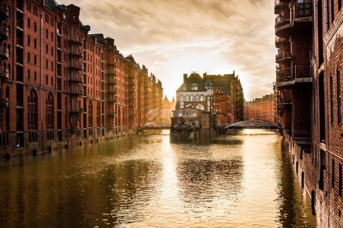 ۱۰ شهر معروف روی آب که با ونیز رقابت می کنند