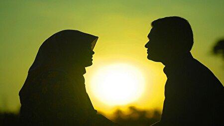 چرا خانمها باید برای رفت و آمد خارج از منزل از همسرشان اجازه بگیرند؟