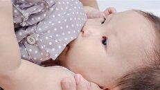 شیر مادر از دستگاه گوارش نوزاد محافظت میکند