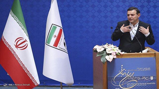باشگاه خبرنگاران -عزیزی خادم: اعضای مجمع، آگاهانه به برنامه و کارنامه رأی داد