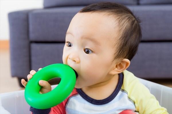 بازی اسباب بازیها با جان کودکان / سرگرمی با طعم سرطان!