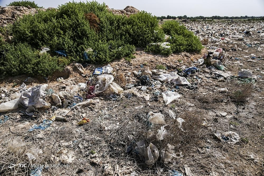 تخلیه غیر اصولی زباله ها در راسفند