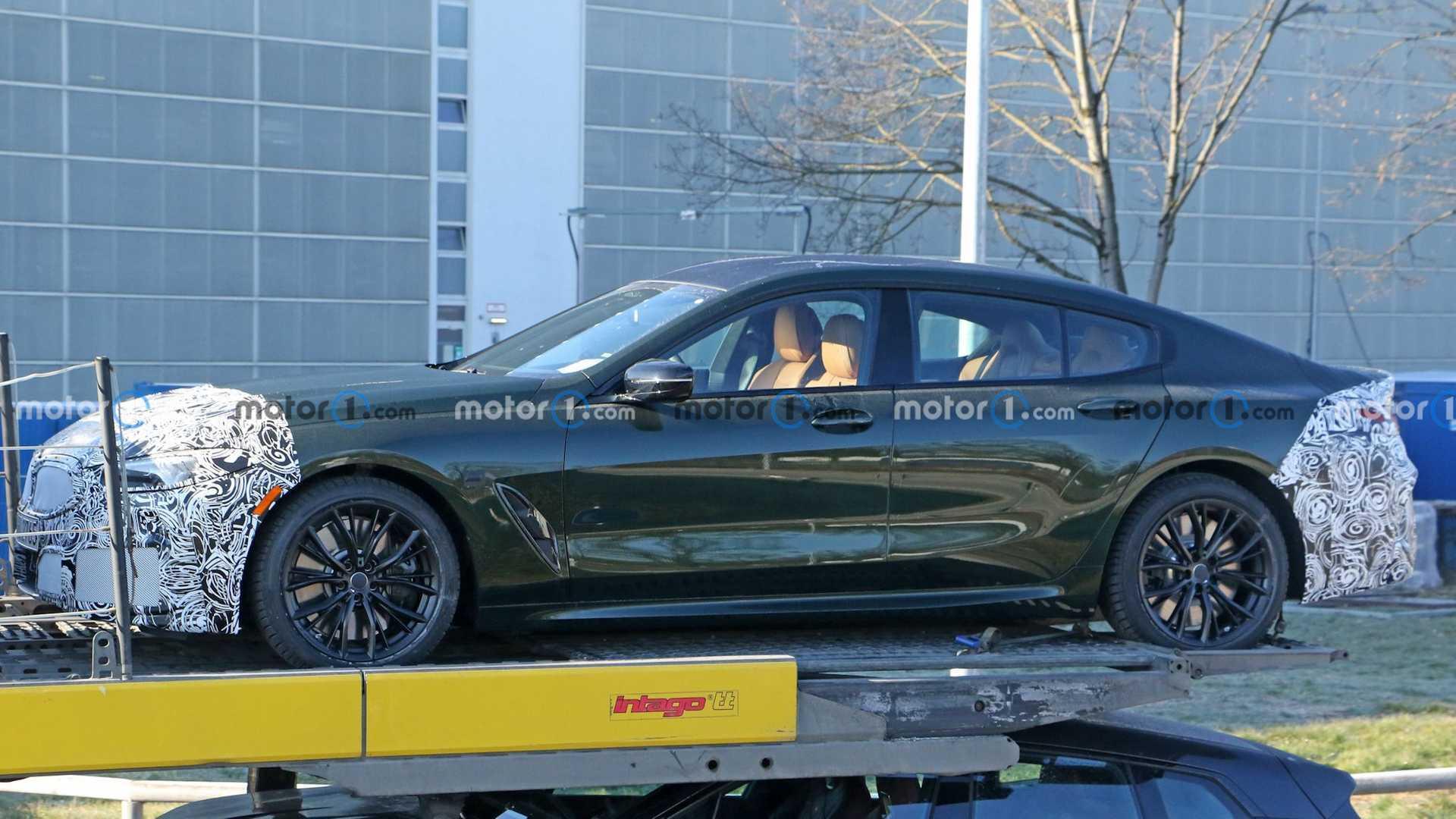 تصاویری از مدل به روز شده BMW ۸ سری گرن کوپه شکار شد
