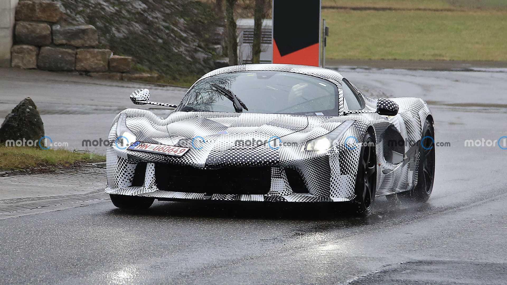 خودروی Ferrari hypercar در بدنه LaFerrari مخفی شد