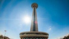 همه آنچه که باید در مورد «برج میلاد» بدانید/ از منبع درآمد تا راههای دسترسی