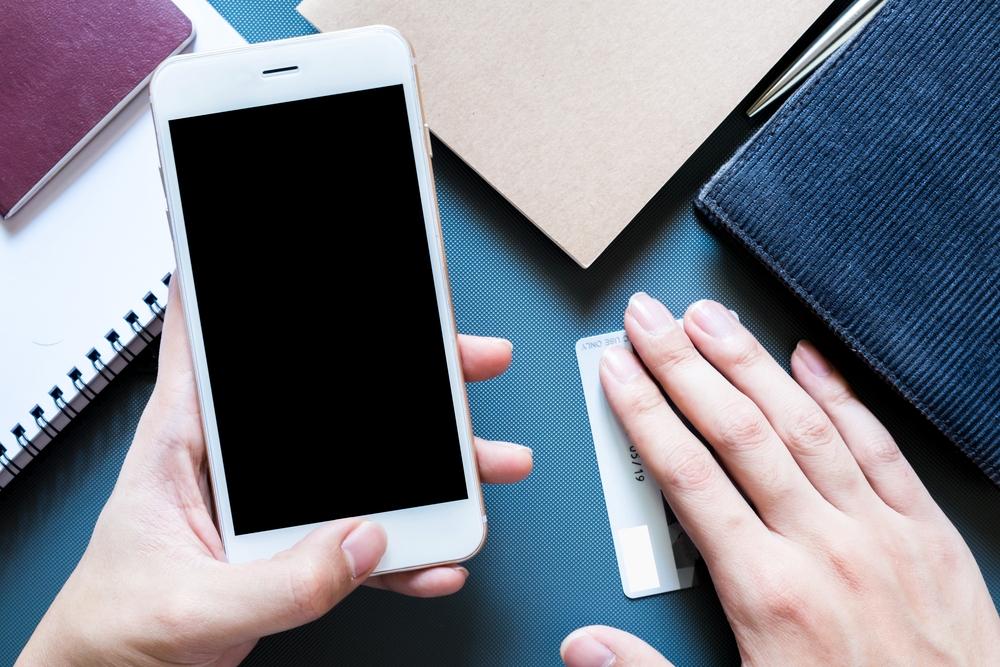 ۱۰ کار ترسناک که رسانههای اجتماعی برای کنترل ذهن کاربر انجام میدهند