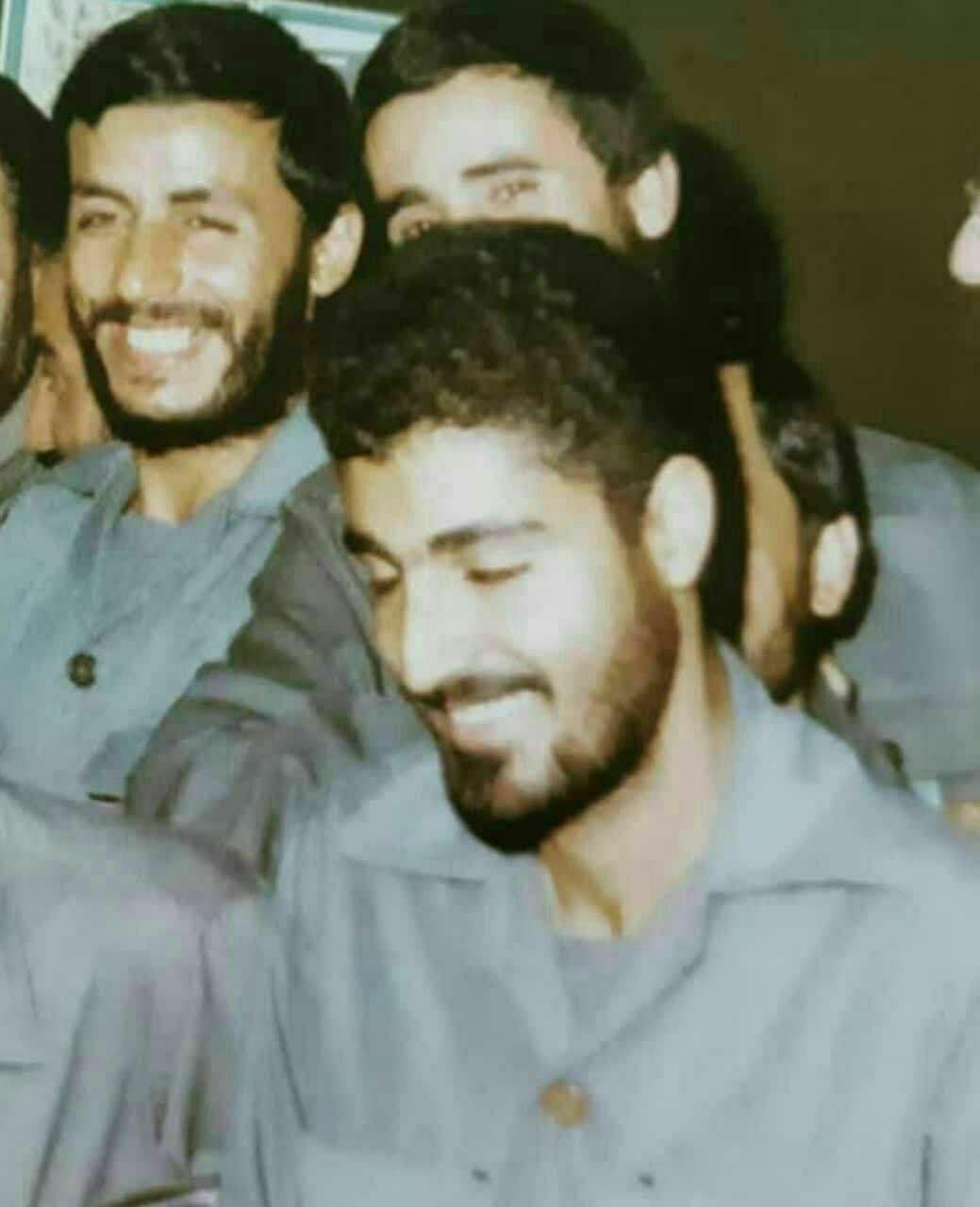 انتشار تصویری جدید از سردار سلیمانی و شهید همت در کنار یکدیگر