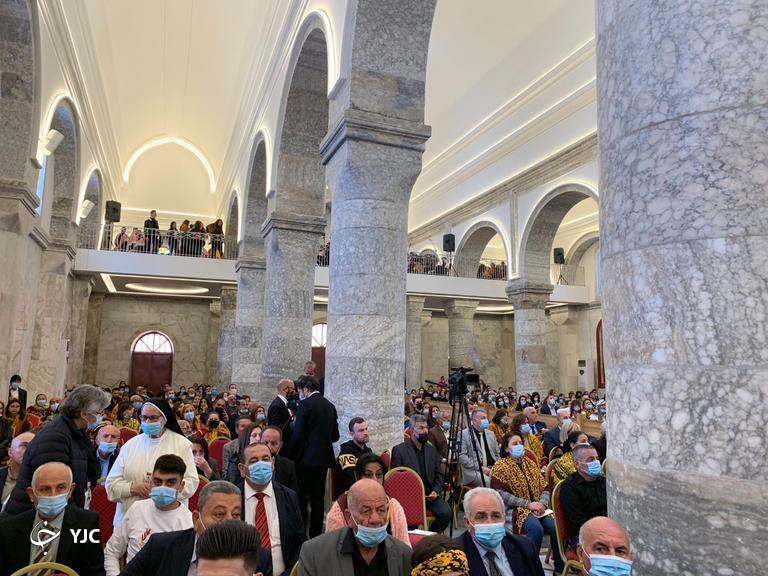 حضور رهبر کاتولیکهای جهان در بزرگترین کلیسای عراق+ تصاویر