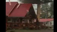 درختی که خانهای در تگزاس را از صاعقه ویرانگر نجات داد +فیلم