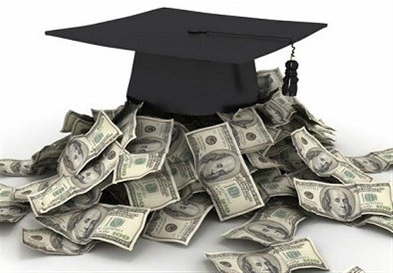 گزارش جمعه/ آیا مدارک دانشگاهی هنوز هم سودآورد است؟ / افزایش پایه حقوق درگرو دریافت مدرک دانشگاهی/ وقتی مدرک دانشگاهی با پول سازی بی ارزش میشود