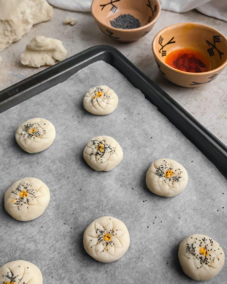 طرز تهیه اصلی شیرینی نون برنجی کرمانشاهی زعفرانی و ساده برای عید