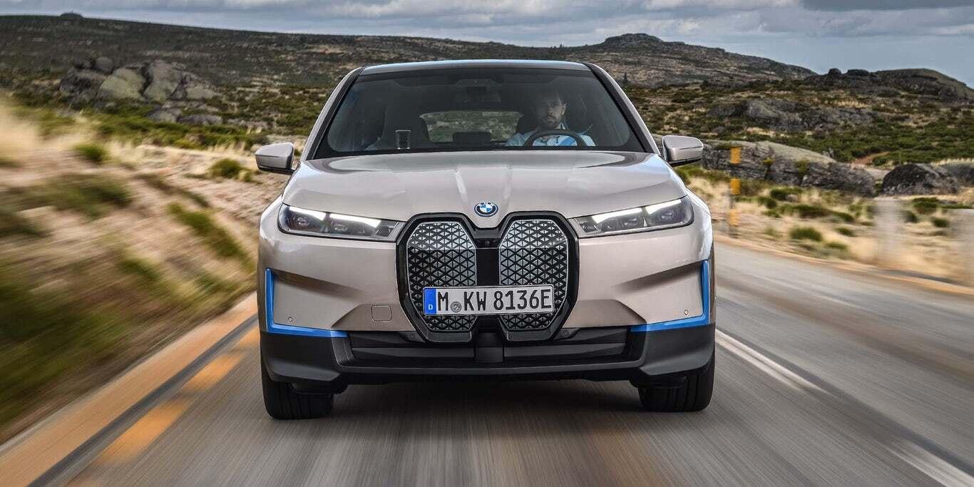 خودروی BMW iX