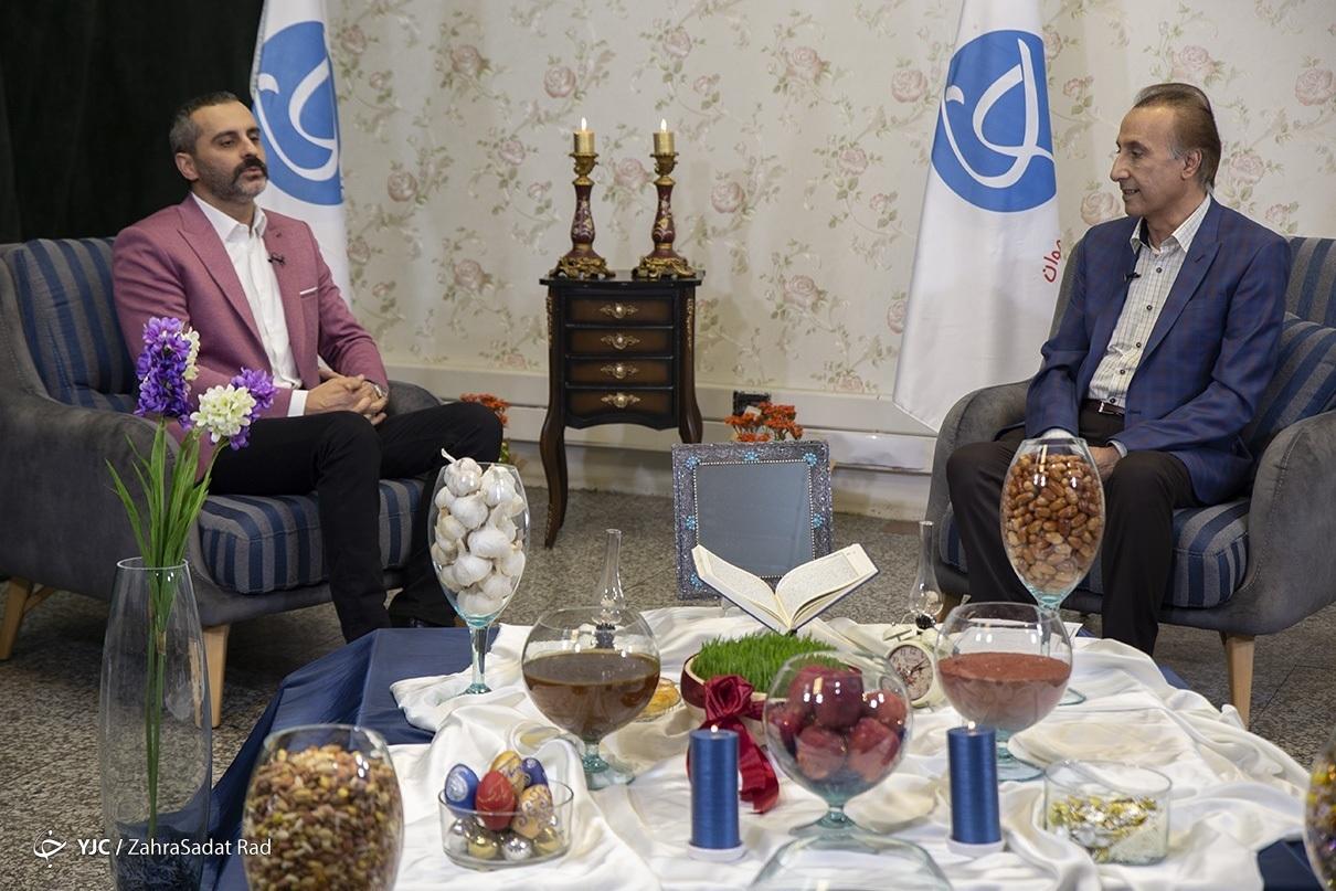 سوال جنجالی آقای خواننده از محمدرضا حیاتی/ نورایی: چرا مسئولان ما را مقابل مردم قرار میدهند؟ + فیلم