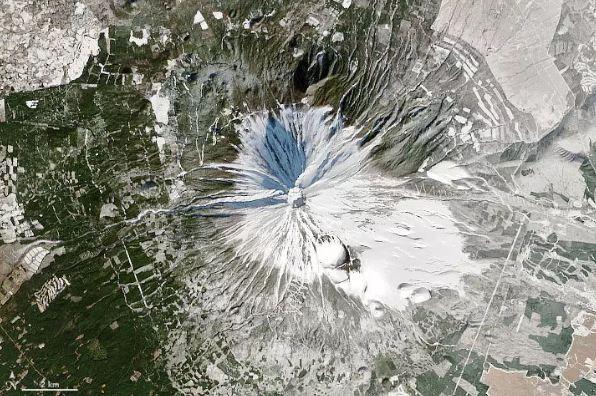 ۱۰ عکس برتر زمین از فضا43