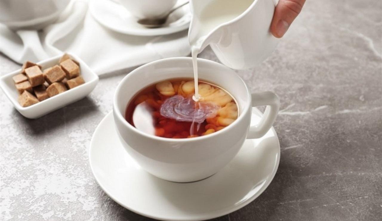 مخلوط شیر و چای