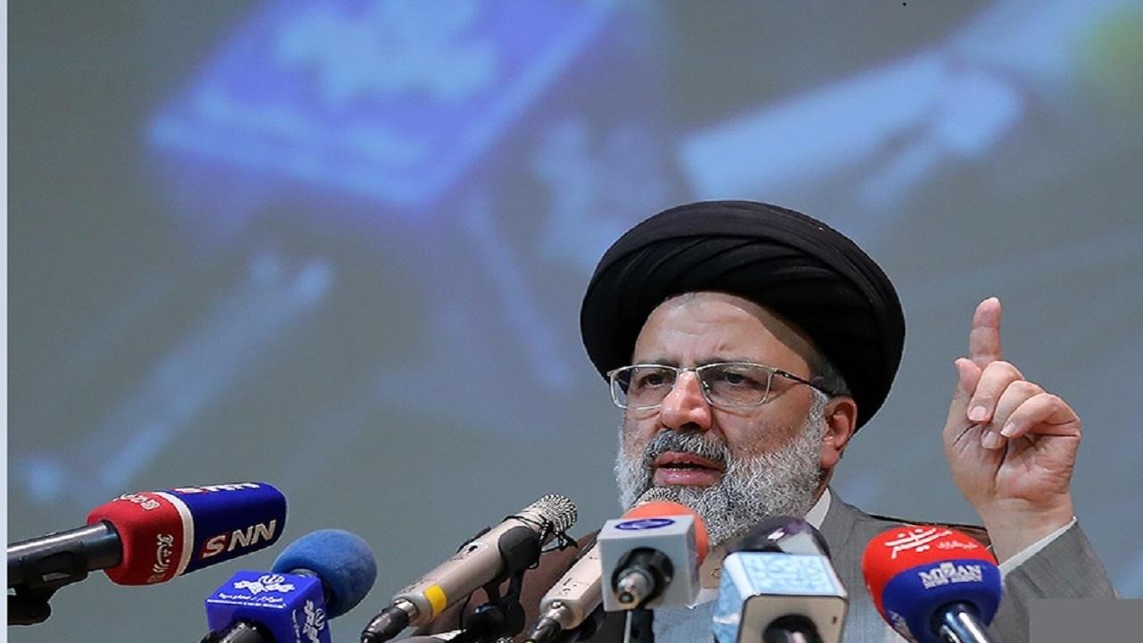 شرکای جرم صدام در حمله به ایران باید معرفی شوند/ دولت آمریکا تروریسم رسمی و دولتی است
