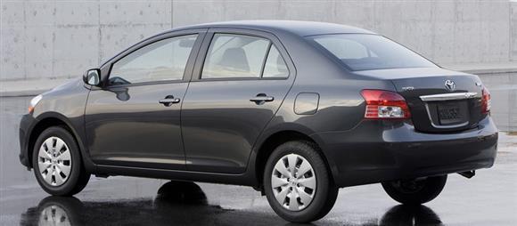 مقایسه هیوندای i30 با تویوتا یاریس + مشخصات فنی