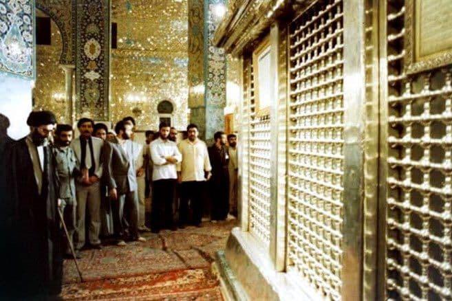 حضور رهبر انقلاب در حرم عمه سادات