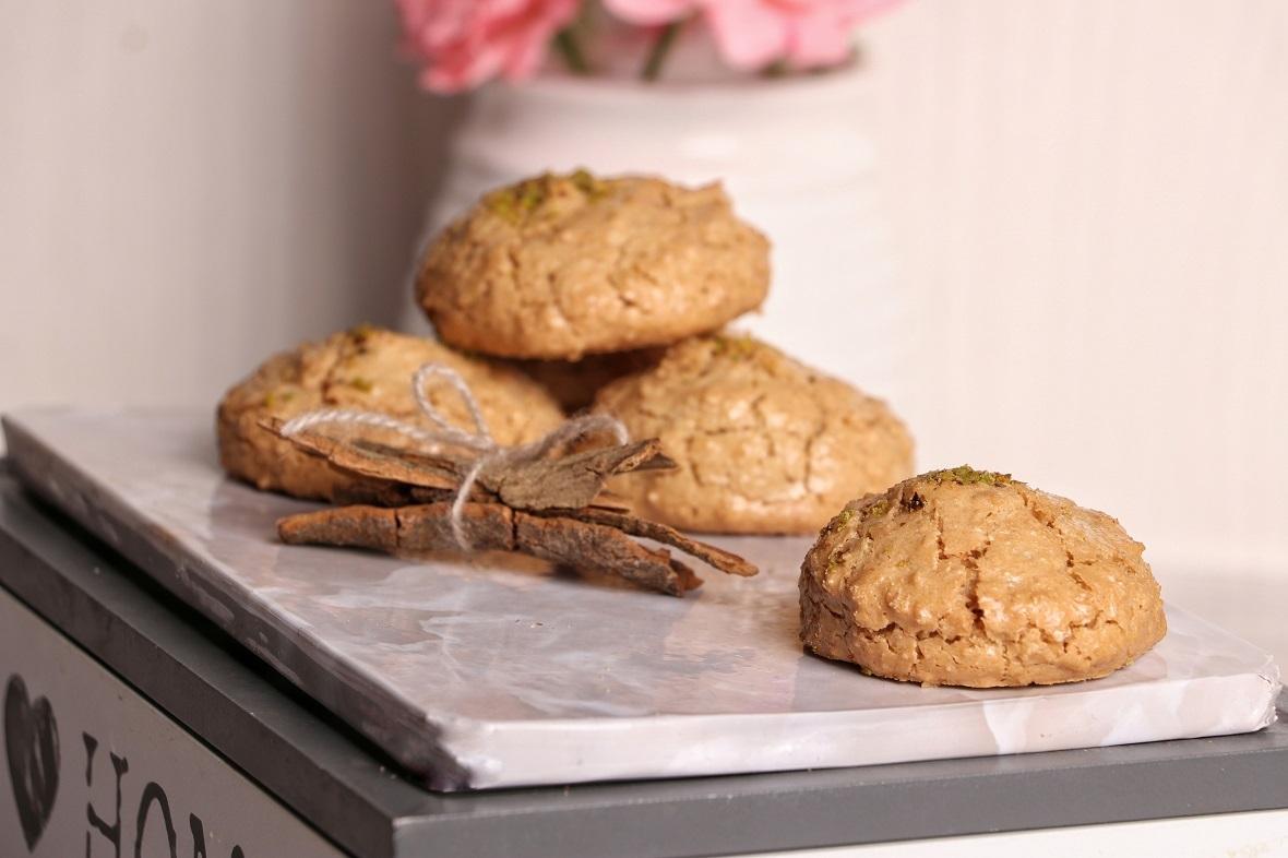 ۲ روش تهیه شیرینی نارگیلی در فر و بدون فر در ۳۰ دقیقه