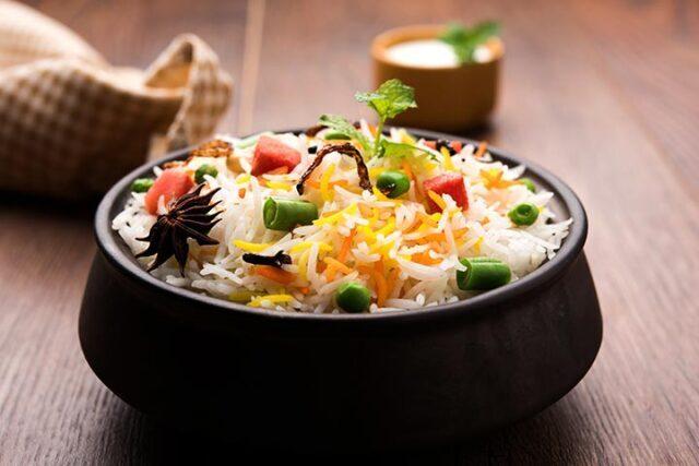 طرز تهیه پلو بریانی هندی؛  یک غذای لذیذ و خوشمزه بدون گوشت