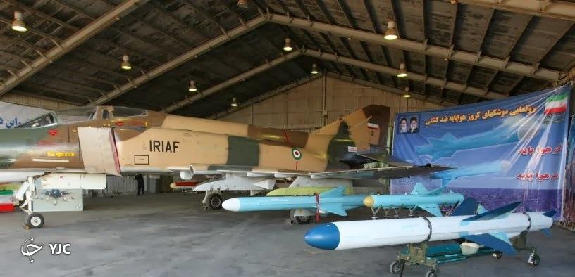 داخل کابین جنگنده اف ۴ چه شکلی است؟