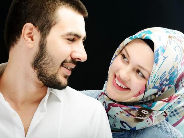 8 ترفند زیرکانه مردان برای جذب خانم ها