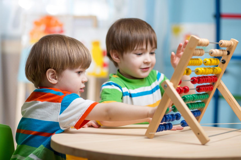 بهترین زمان برای رشد اجتماعی فرزند در سن پایین است////تعامل با دیگران رشد اجتماعی و مغزی کودکان را تقویت میکند/تقویت رشد اجتماعی کودکان