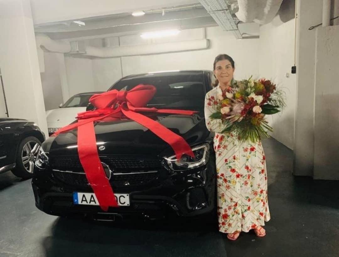 هدیه گرانقیمت رونالدو به مادرش