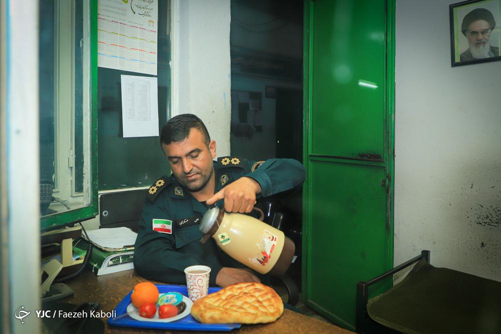 نیروهای یگان امداد ناجا شهرستان گرگان در ماه مبارک رمضان مشغول خدمت رسانی می باشند