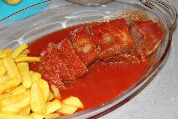 طرز تهیه خوراک زبان گاو مجلسی با سس سفید و قرمز