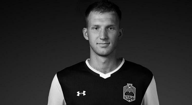 مرگ بازیکن ۲۲ ساله فوتبال در هنگام تمرین در خانه