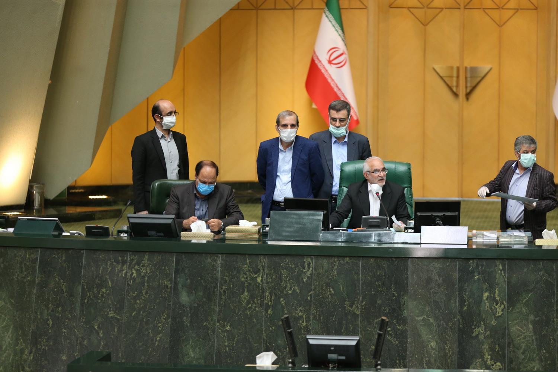 سناریوی تشکیل «وزارت تجارت» در مجلس دهم بسته شد/ پرایدی که آقایی میکند!