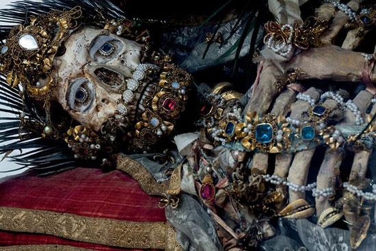 اجساد پر از جواهر (عکس)