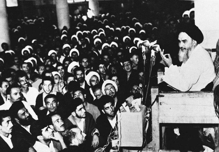 ننگی به نام کاپیتولاسیون/ وقتی شاه ایران از آشپز آمریکایی کمارزشتر میشود