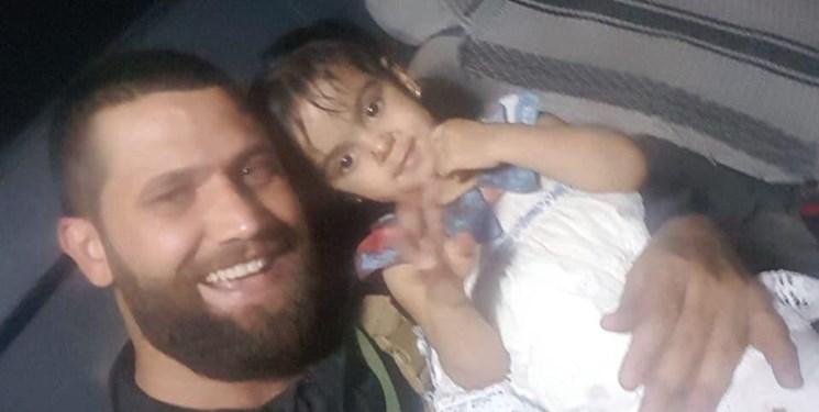 نجات معجزه آسای یک دختربچه از دست داعش / تروریستها والدین زهرا را به شهادت رساندند + عکس