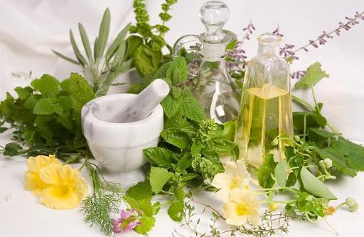 عرقیات گیاهی را چه زمانی مصرف کنیم