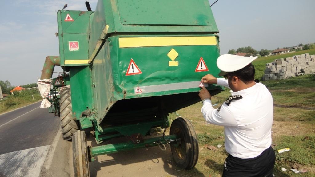ضرورت آشکارسازی ادوات کشاورزی با نصب علائم در جادههای گیلان