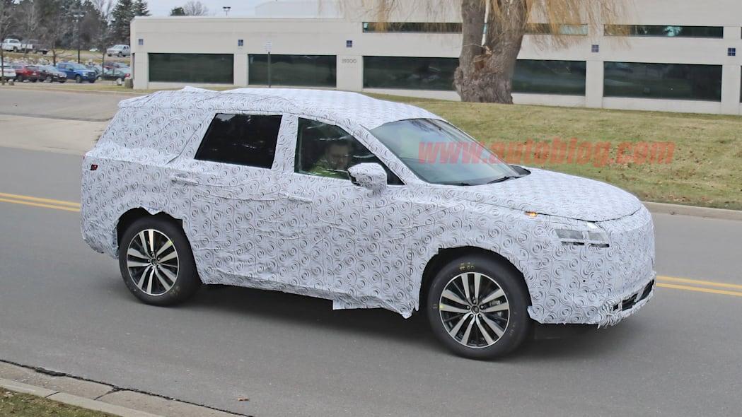 خودروی Nissan Pathfinder 2021