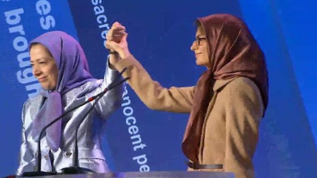 شبنممددزاده؛ از دانشگاه تا آغوش مریم رجوی در پاریس + تصاویر