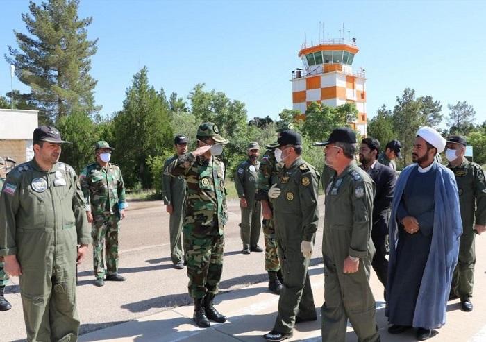 فرمانده هوانیروز ارتش از پایگاه هوانیروز کرمان بازدید کرد