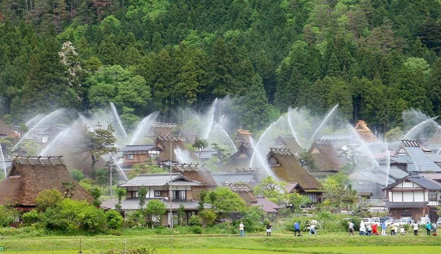تلفیق سنت و مدرنیته/ ابتکار جالب دهکده ژاپنی برای حفظ خود در برابر آتش
