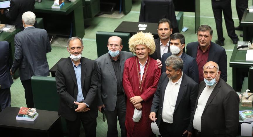 قصه مجلس دهم به آخر رسید/وقتی عکاسان خشم رئیس مجلس را برافروختند