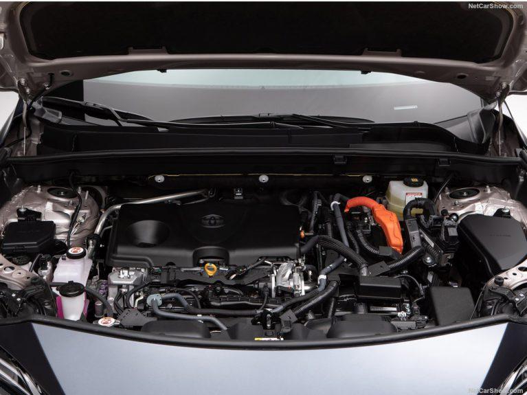 تویوتا از نسل جدید خودروی هیبریدی خود رونمایی کرد+ فیلم