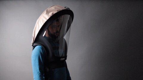 ماسک شبیه به کلاه ایمنی فضانوردی