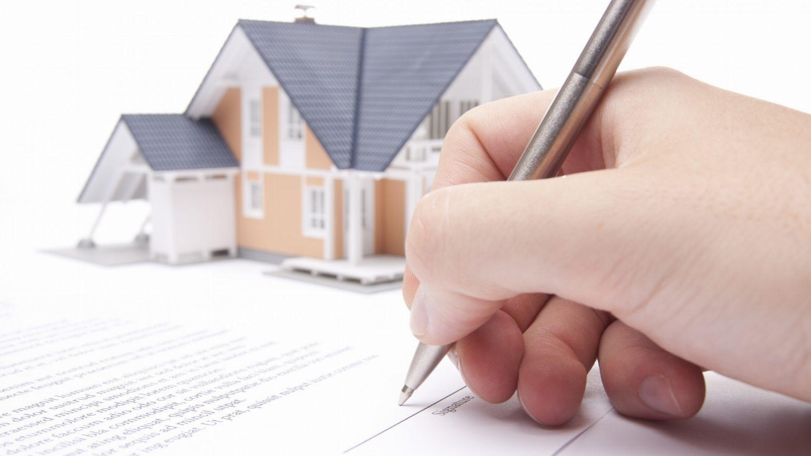 پیش بینی کاهش حق ثبت املاک به نفع مردم