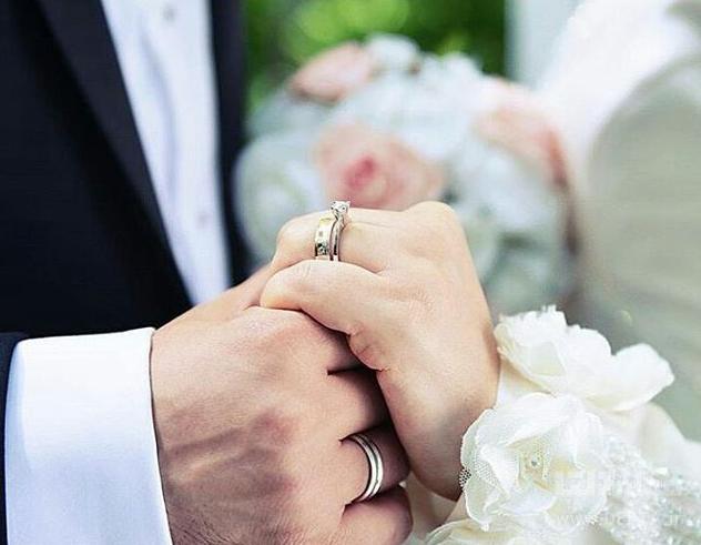 ازدواج خانم ایرانی با مرد خارجی به اجازه چه کسی است؟